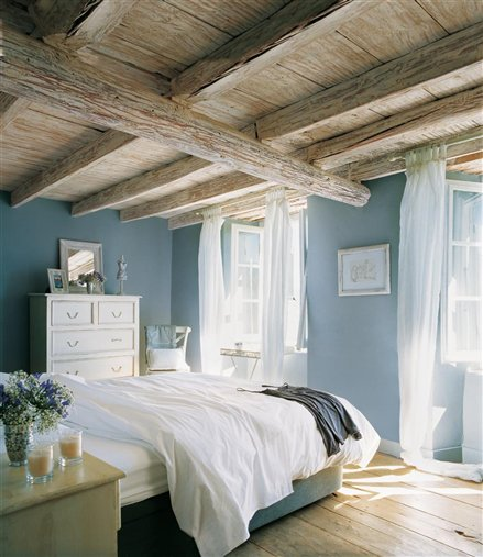 20 Glorious Old Mansion Bedrooms: Rustic Blue Dreams For Bedroom